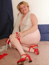 Classy Fat Mature with Red Wine Teasing and Spreading Pussy
